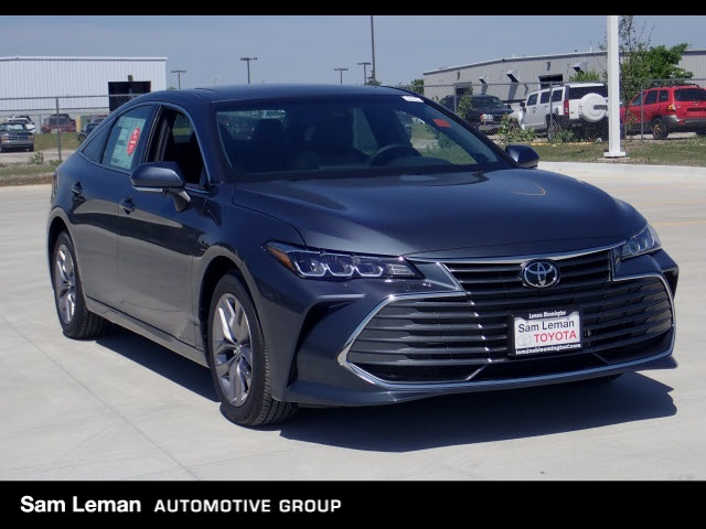 new 2019 toyota avalon xle 4d sedan in bloomington nt2429 sam rh samlemantoyotabloomington com 2008 Toyota Avalon Interior 2000 Toyota Avalon Blue